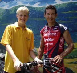Jack Sinclair with cycling superstar and Ride Ambassador Robbie McEwen